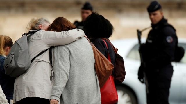 Masalah Pribadi atau Terorisme, Motif Penusukan Paris Masih Misterius (206648)