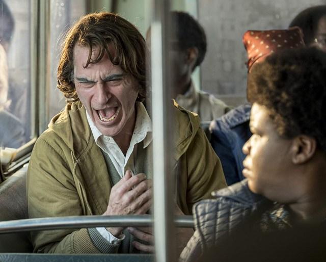 Mengenal Penyakit 'Tertawa' yang Diderita Arthur Fleck di Film 'Joker' (27903)