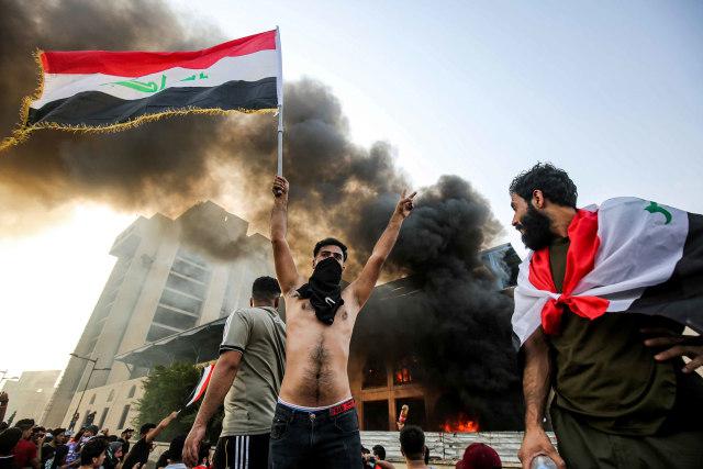 100 Orang Tewas dalam Aksi Protes Berujung Rusuh di Irak (323282)