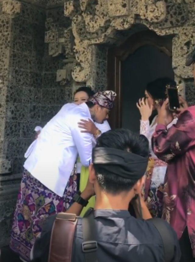 5 Momen Pernikahan Jerinx 'SID' dan Nora Alexandra (236746)