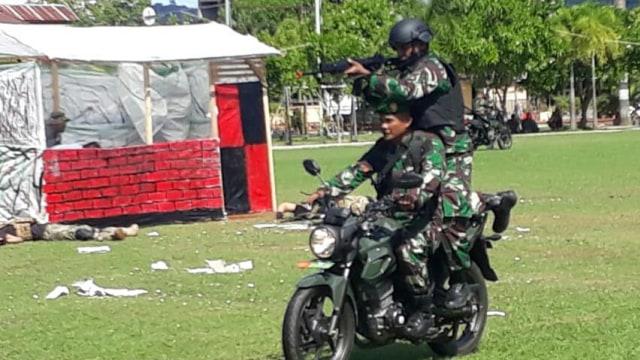 Pertempuran Jarak Dekat Warnai HUT TNI ke-74 di Tolitoli, Sulteng (304408)