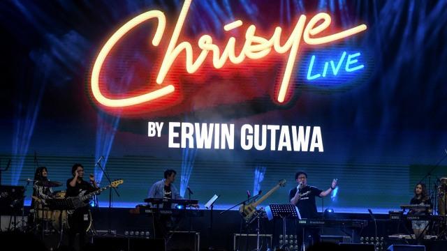 Erwin Gutawa Hadirkan Chrisye di Panggung Synchronize Fest 2019 (4695)