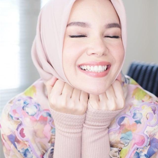 Dewi Sandra soal Glenn Fredly Menikah: Alhamdulillah (3223)
