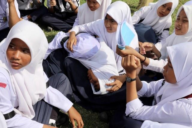 Foto: Siswa di Daerah Bekas Tsunami Aceh, Belajar Siaga Bencana (2658)
