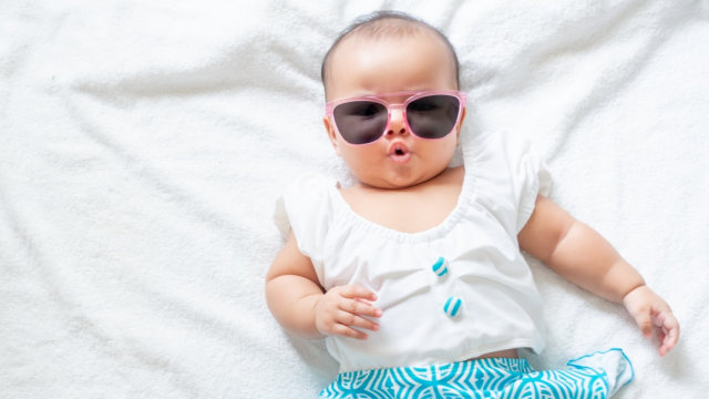 Perlukah Bayi Pakai Kacamata Hitam? (18228)