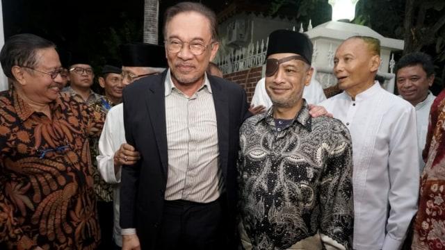 Dato Anwar Ibrahim dan Thariq Habibie