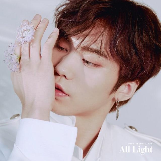 5 Idola K-Pop Bernama Minhyuk (102641)