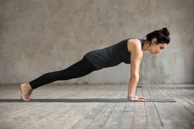 4 Gerakan Olahraga yang Bisa Bantu Mengencangkan Payudara (1431657)