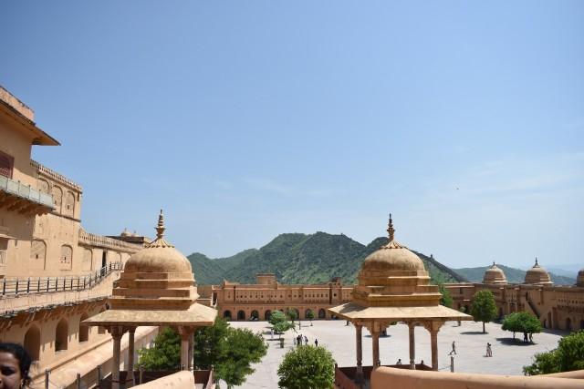 Menjelajahi Amer Fort, Benteng Berarsitektur Megah di Jaipur, India  (399451)