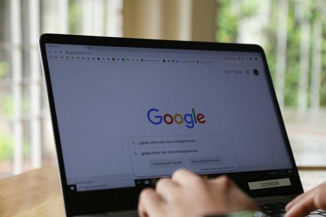 Bahaya Diagnosis Kesehatan Mental Diri Bermodal Google (52197)