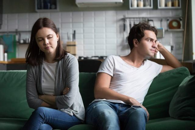 6 Tanda Pasangan Punya Sifat Pasif-Agresif (74820)