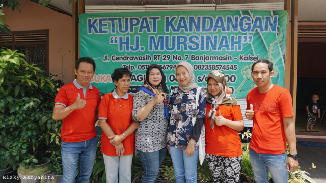 'Ketupat Kandangan Hj. Mursinah', Kuliner Legendaris Kalsel Sejak 1965 (156768)