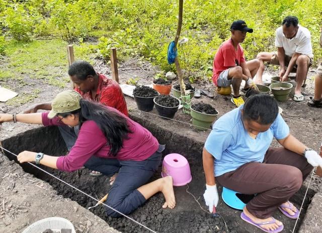 Foto Ekskavasi Opsidian di Dondai, Distrik Waibu, Kabupaten Jayapura-IST.jpg