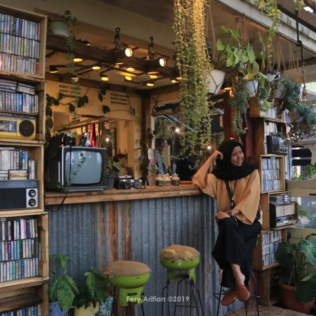 Retrorika Coffee Bar & Resto, Kafe Unik Di Kota Batu