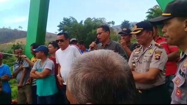 Warga Blokir Jalan, Arus Lalu Lintas Gorontalo-Sulteng Lumpuh 8 Jam (69737)