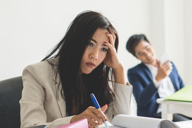 perempuan, toxic, rekan kerja