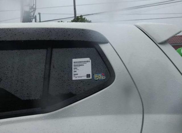 Ada Stiker Barcode Pada Mobil Baru, Boleh Dilepas atau Tidak? (805111)