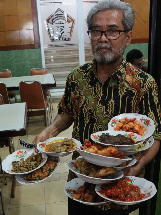 MRT Food Guide (313095)
