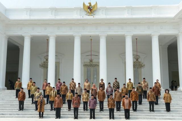 Foto bersama Kabinet Kerja Joko Widodo yang diabadikan pada 27 Oktober 2014