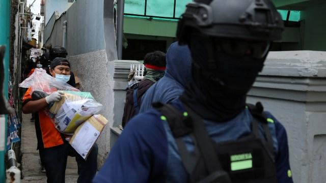 Penggeledahan rumah teroris di Bandung