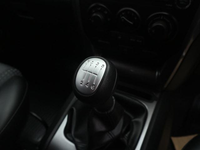 5 Kesalahan Pengemudi Mobil Manual yang Bikin Boros Bensin (37977)