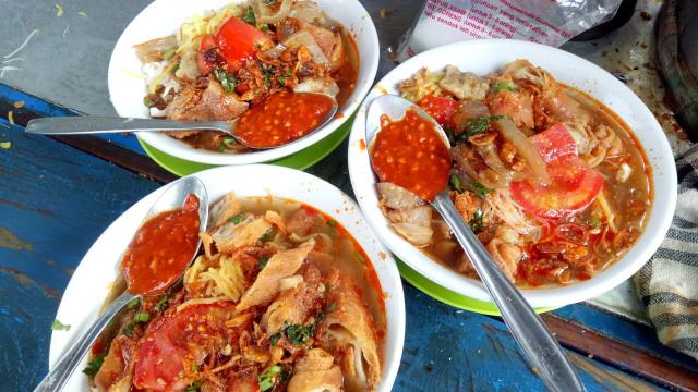 MRT Food Guide (313125)