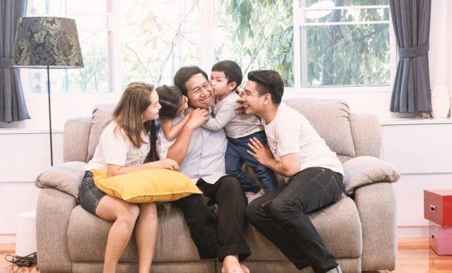 com-Ilustrasi keluarga bahagia di hari tua
