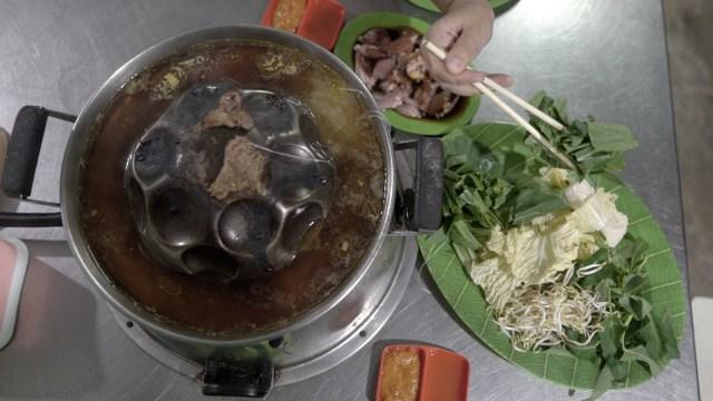MRT Food Guide (313087)