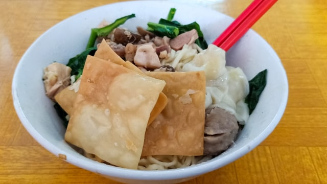 Lipsus, MRT Food Guide, Bakmi Jhon
