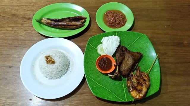 MRT Food Guide (313113)