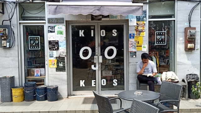 Lipsus, MRT Food Guide, Kios Ojo Keos