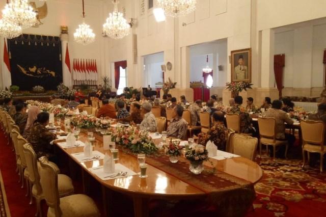 Ramah tamah Presiden dengan Menteri Kabinet Kerja