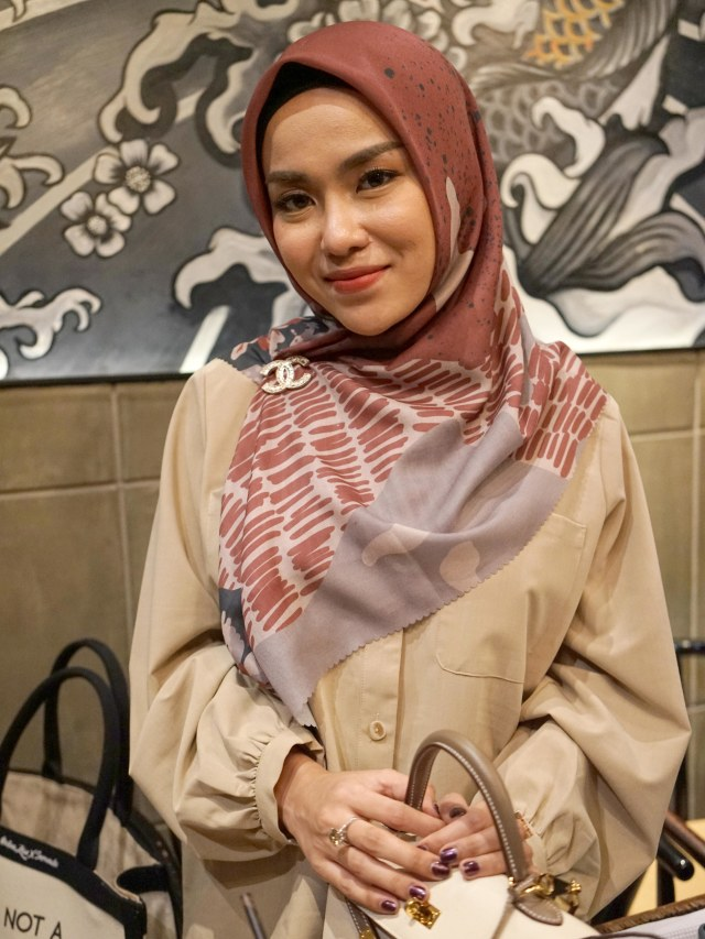 Zaskia Sungkar Ungkit Perkara Tas, Medina Merasa Dirugikan (43657)