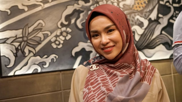 Zaskia Sungkar Ungkit Perkara Tas, Medina Merasa Dirugikan (43659)