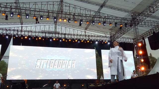 Pedangdut Siti Badriah