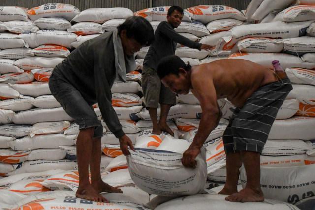 Food Station Antisipasi Gejolak Harga Beras Akhir Tahun di DKI (65529)