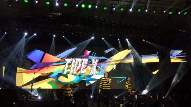 Penampilan Tipe-X di Konser 'Musik Untuk Republik'