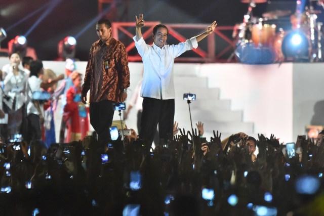 Beda Cara Relawan Rayakan Pelantikan Jokowi di 2014 dan 2019 (47271)