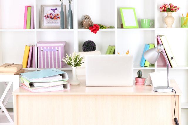 Tips Dekor: Cara Tepat Memilih Meja Kerja untuk di Rumah  (924739)
