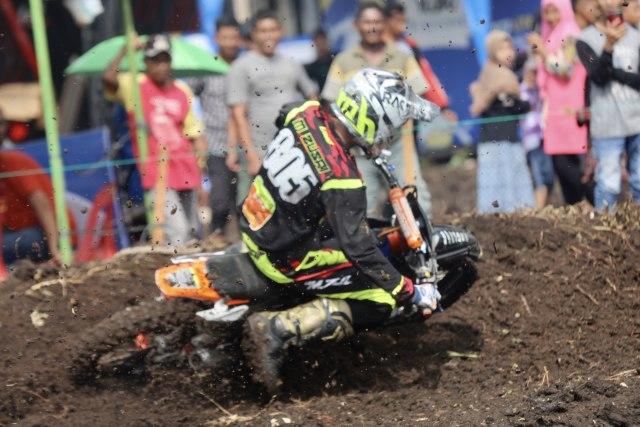 Foto: Aksi Pebalap Kejuaraan Nasional 'Grasstrack' di Sabang, Aceh (90092)