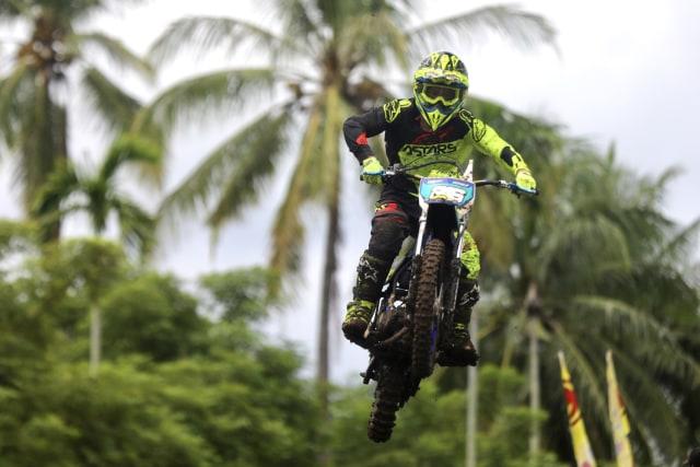 Foto: Aksi Pebalap Kejuaraan Nasional 'Grasstrack' di Sabang, Aceh (90093)