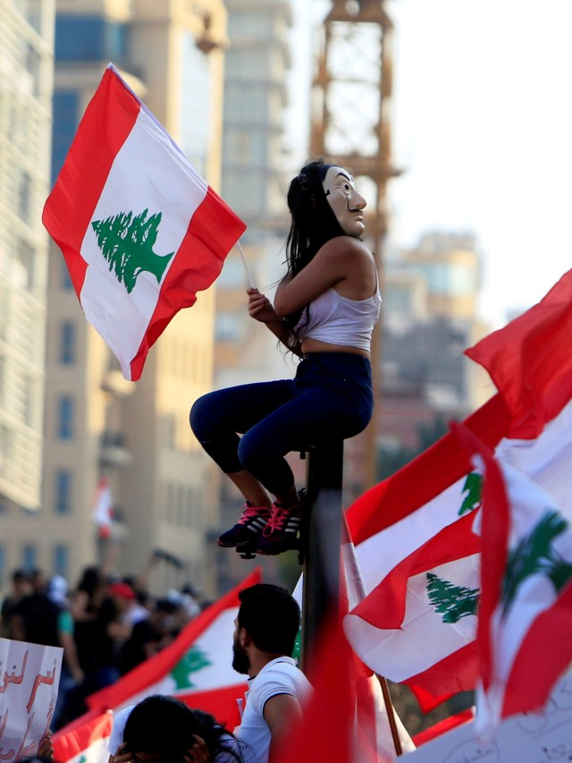 Demo, Lebanon, POTRAIT