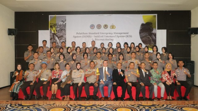 Personel Polri se Sulawesi Dibekali Trauma Healing Pascabencana (79555)