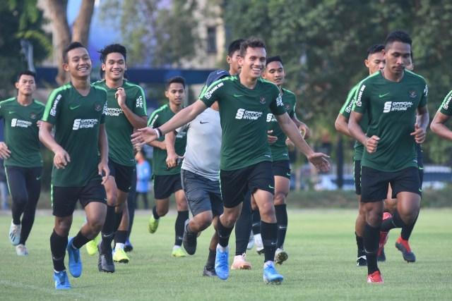 Pemain timnas Indonesia U-23 melakukan sesi latihan di Lapangan G, Komplek Gelora Bung Karno