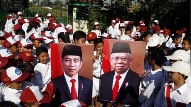 Sambut Presiden Baru 2019, Siswa di Solo Gelar Upacara Bersama (4183)