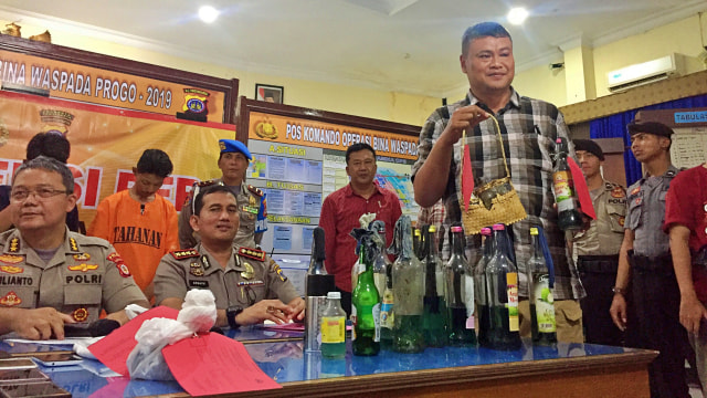 Sultan: Kalau Ricuh, Tak Usah Ada Sepak Bola di Yogyakarta  (99743)