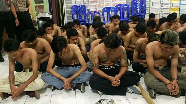 Sultan: Kalau Ricuh, Tak Usah Ada Sepak Bola di Yogyakarta  (99742)
