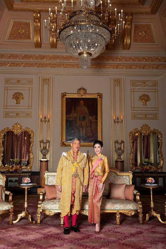 PTR, Raja Thailand Maha Vajiralongkorn, Jenderal Sineenat Wongvajirapakdi