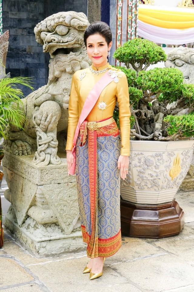 Kisah Cinta Penuh Skandal Raja Thailand dengan 5 Wanita (168025)
