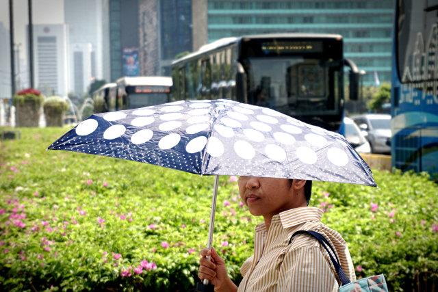 Tips Jaga Kondisi Tubuh Tetap Sehat di Tengah Cuaca Panas (24088)